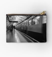 London - The Piccadilly Line Earl's Court 2 Studio Pouch