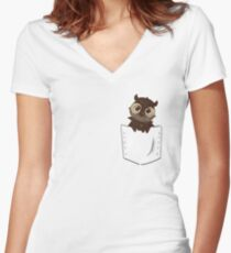 Owl in the pocket Women's Fitted V-Neck T-Shirt
