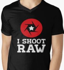 I Shoot RAW - Funny Photography Photographer Gift T-Shirt Men's V-Neck T-Shirt