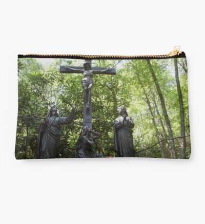 On a hill far away stood an old rugged cross... Studio Pouch