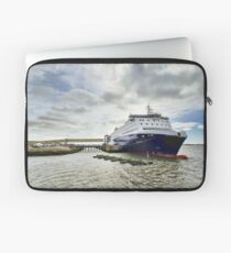 Nova Star Ferry at the Lobster Rock Wharf Laptop Sleeve
