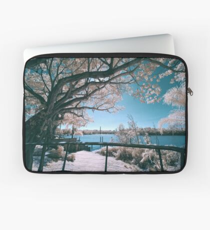 The Fig Tree in Pink And Green Laptop Sleeve