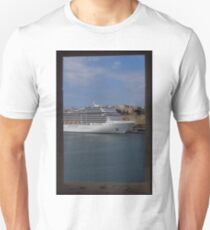 Cruise Ship, The Grand Harbour, Valletta Unisex T-Shirt