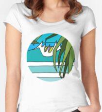 Pandanus Peak Fitted Scoop T-Shirt