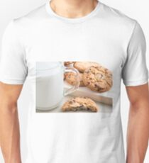 Glass cup with milk and oatmeal cookies with chocolate T-Shirt