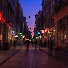 Geister in Altstadt in Amsterdam von Cyberchamaeleon