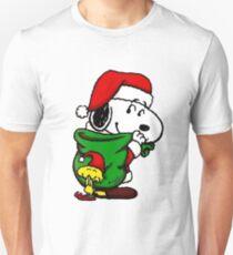 Santa Snoopy Beautiful christmas Unisex T-Shirt