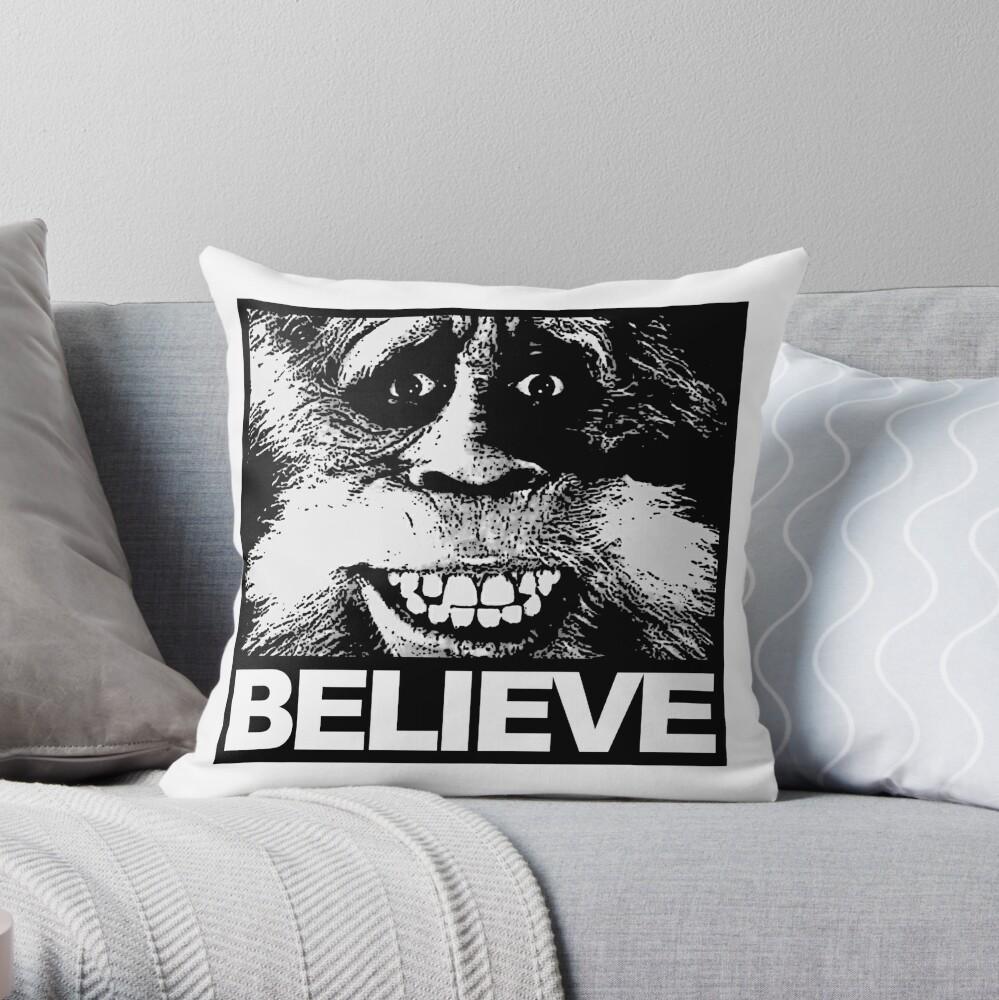 Glauben Sie an Bigfoot Dekokissen
