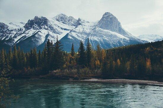 mountain river by bellehibou