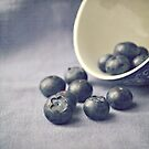 Bowl of Blueberries by Lyn  Randle