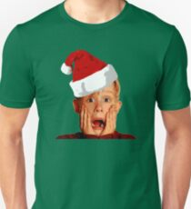 Home Alone Santa Hat T-Shirt: Macaulay Culkin Christmas Holiday Unisex T-Shirt