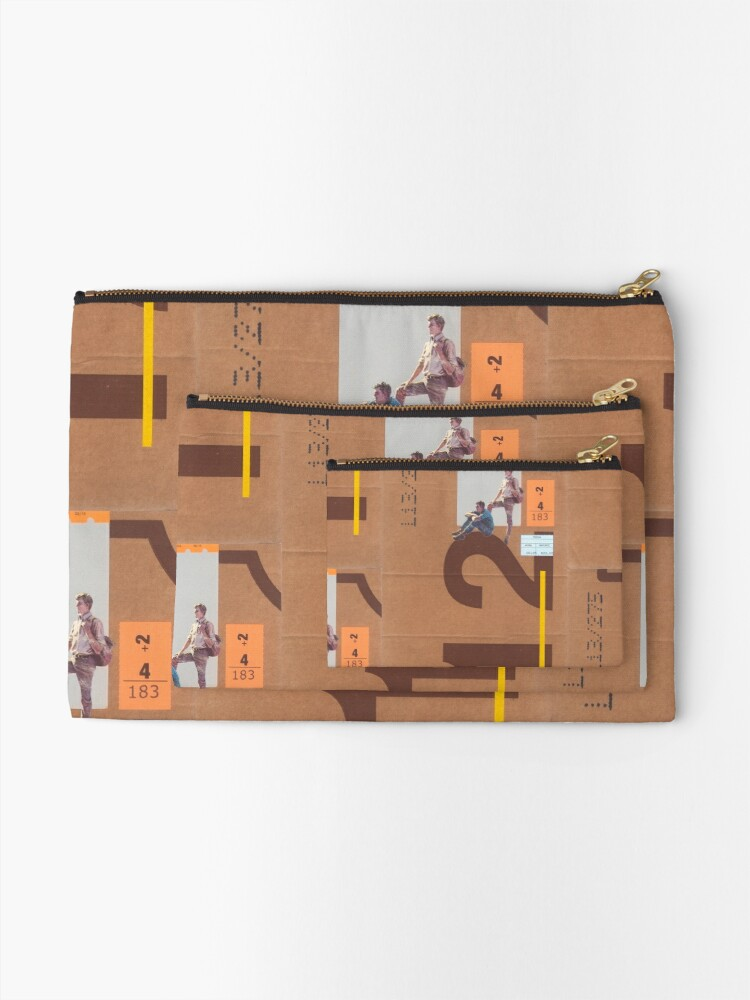 Alternate view of Outside Zipper Pouch