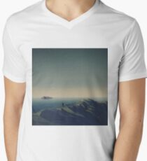 Trapped in low-poly Men's V-Neck T-Shirt