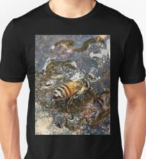 African Bee (Apis mellifera Scutellata) T-Shirt