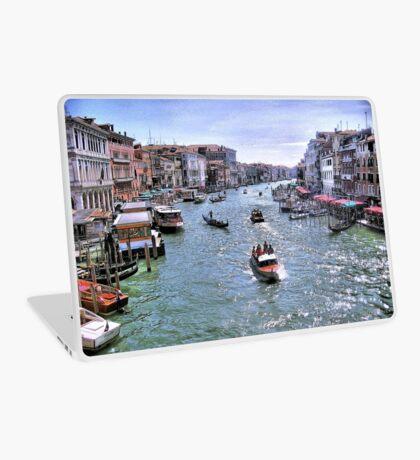 Rush Hour In Venice! Laptop Skin