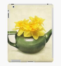 Dreaming About Daffodils  iPad Case/Skin