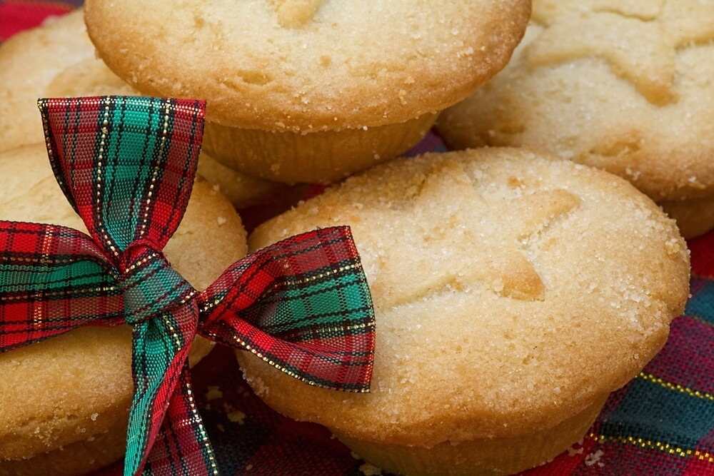 Mince Pies 2 by Ellesscee