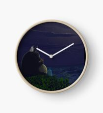 Totoro playing the ocarina Reloj