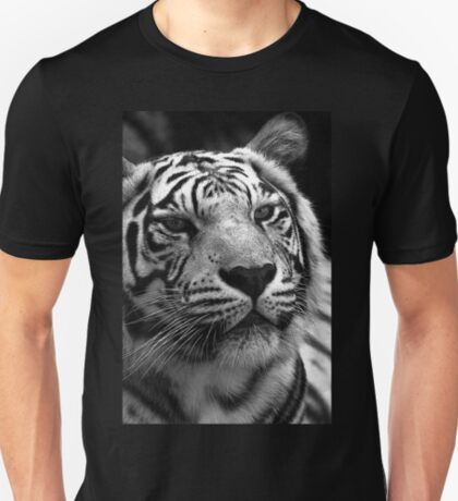 Ivory in black and white  T-Shirt