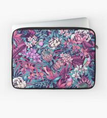 Stand Out! (ultraviolet 2) Laptop Sleeve