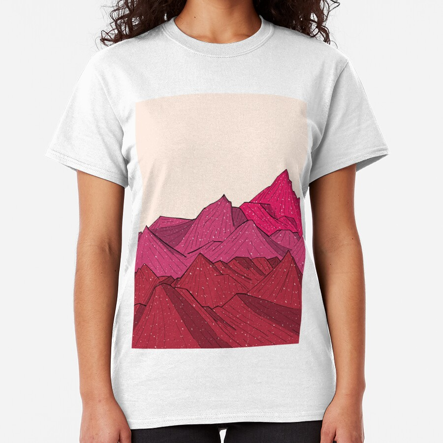 The falling snow and the mountains Classic T-Shirt