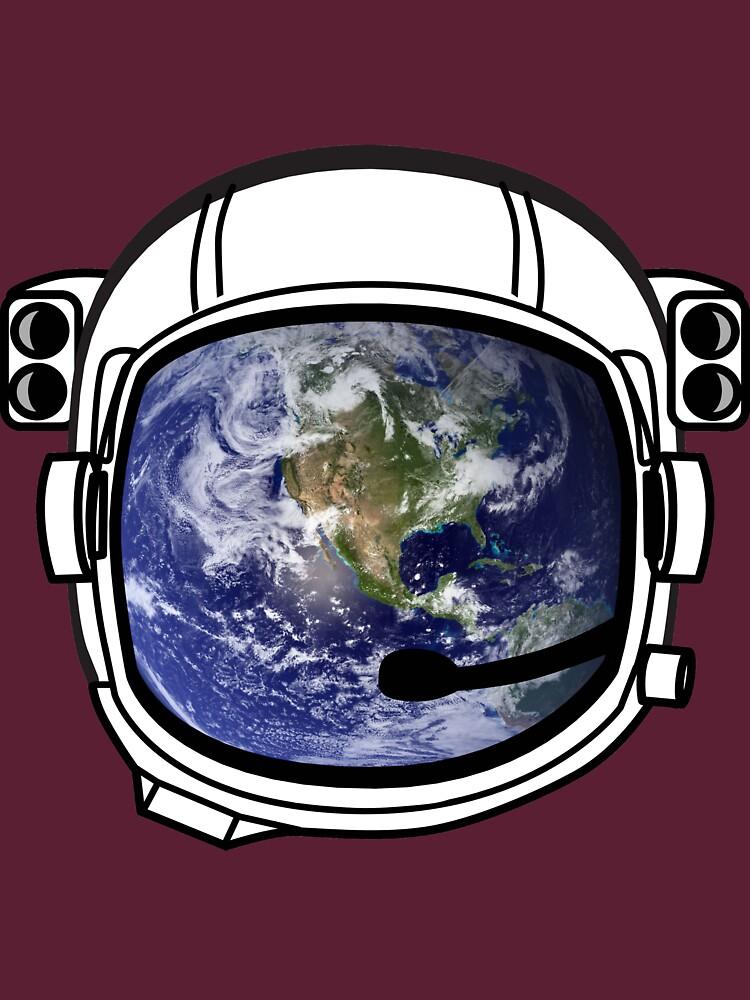 Earth Reflected in Astronaut Helmet von Upbeat