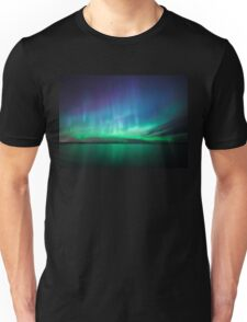 Beautiful northern lights Unisex T-Shirt
