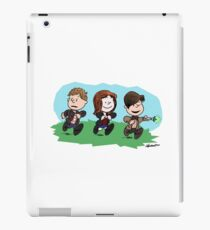 Eleventh Doctor and the Ponds ... Peanuts Style iPad Case/Skin