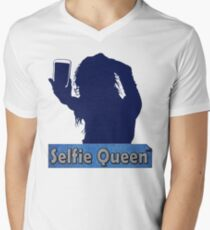 Funny Unique and Cool Blue and Gold Selfie Queen T-shirt T-Shirt