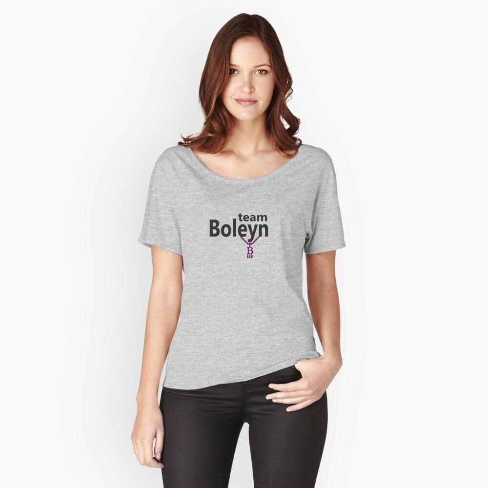 Anne Boleyn 'Team Boleyn' slogan with B necklace Women's Relaxed Fit T-Shirt Front