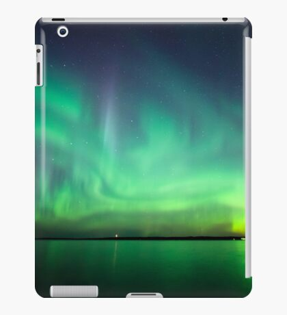 Northern lights over lake iPad Case/Skin