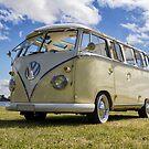 Volkswagen Kombi Samba Bus by Bairdzpics