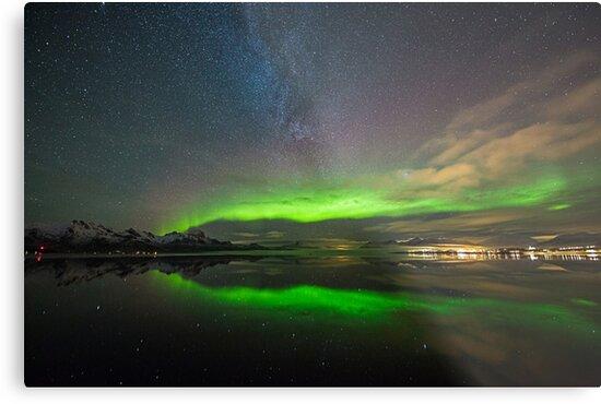 Aurora Bow by Frank Olsen