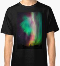 Schöne mehrfarbige Nordlichter in Finnland Classic T-Shirt