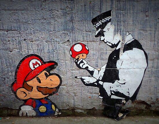 Banksy - Polizist und Marios Pilz von Dwarf Dragon