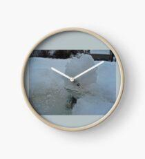 SNOW BOUND LITTLE FROG  Clock