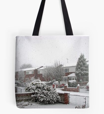 Falling Thick and Fast -  Winter Street Scene Tote Bag