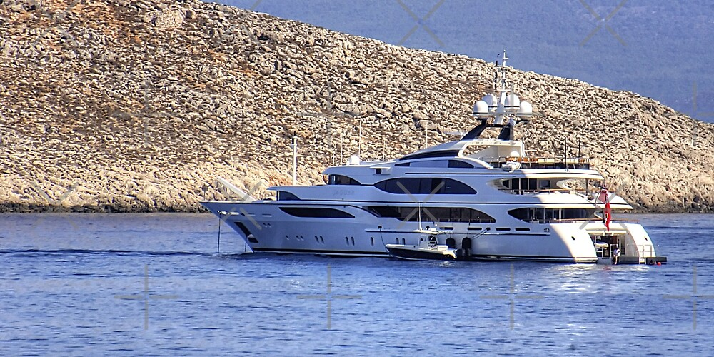 Jaguar Motor Yacht by Tom Gomez