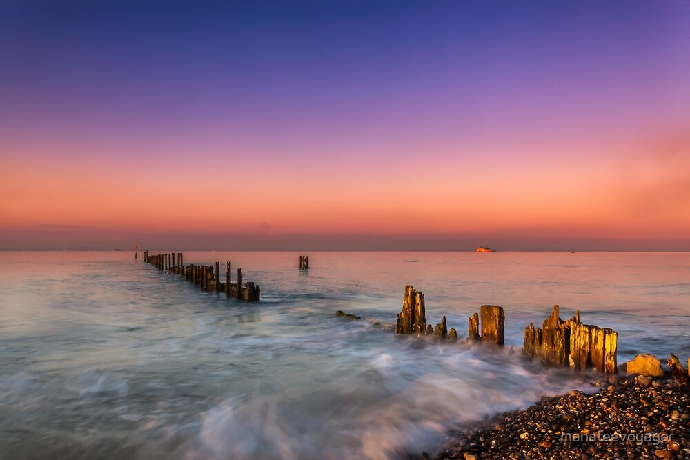 Bembridge Harbour Wave Break by manateevoyager