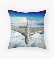 Vulcan XH558 In The Sky !! Throw Pillow