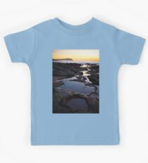 Merewether Rockpools with view to Bar Beach Kids Tee