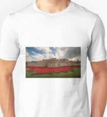 Tower of London Remembers.  Unisex T-Shirt