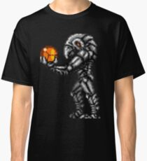 Chozo Holding Samus T-shirt Classic T-Shirt