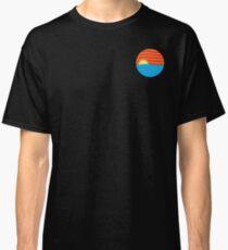 A SYMMETRICAL SUNSET Classic T-Shirt