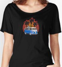 Hippie VW Split Window Bus w Surfboard & Palmes Women's Relaxed Fit T-Shirt