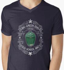 Big Green Egg Vintage Old School BBQ Men's V-Neck T-Shirt