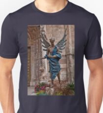 Italy. Verona. Angel sculpture in front of the Cathedral. Unisex T-Shirt