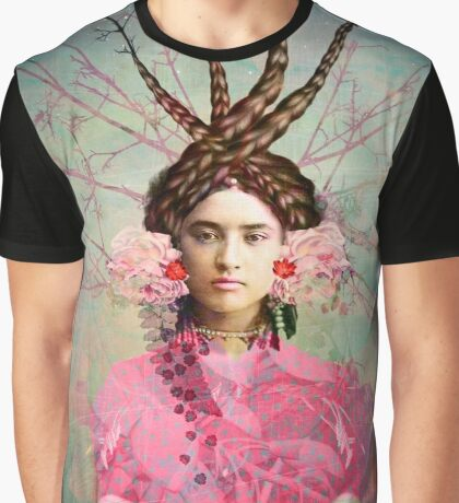 Portrait in Pastell Graphic T-Shirt