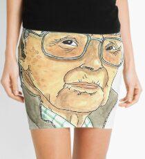 Anciano Portugués Minifalda