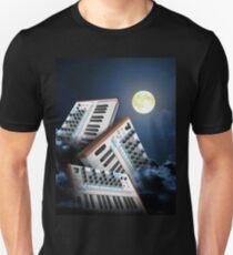 III Canis Lupus et Luna Unisex T-Shirt